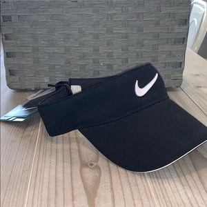 NWT Nike Golf Visor
